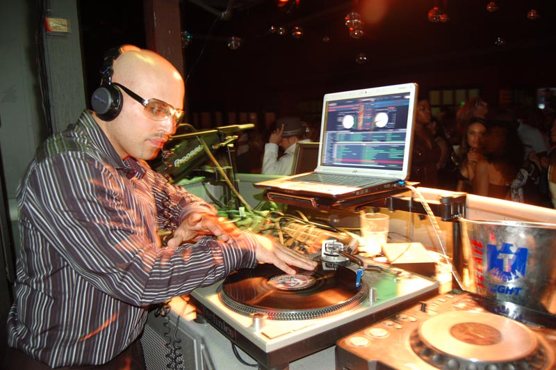 DJ-Emir-Treo-nightclub-party-Pic01lg.jpg
